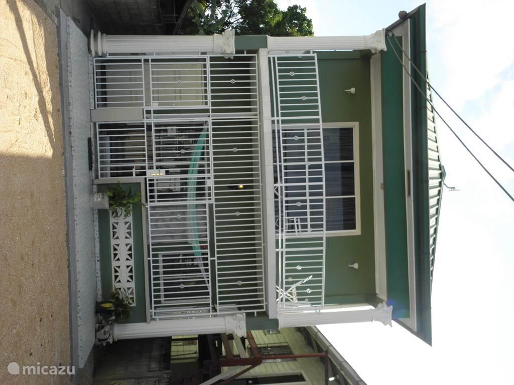 Vacation rental Suriname – apartment Houses in Paramaribo