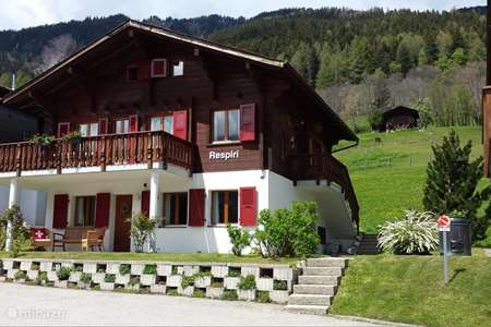 Vacation rental Switzerland – apartment Chalet Respiri upper apartment