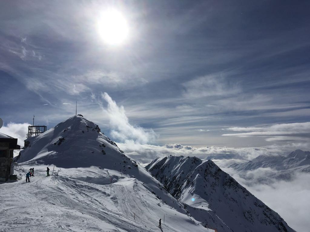 Er ligt nog veel sneeuw en het seizoen loopt tot 14 april. 25% korting op de overnachtingsprijs t/m 21 april 2018!