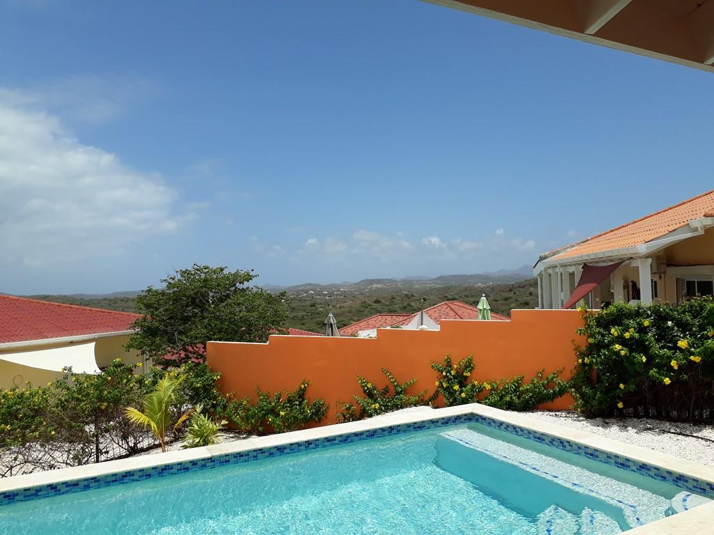 Last minute 11.-18.7 en 16.8 - 29.8 nu 425€ per week of 61,-€ per dag  Compleet uitgerust vakantiehuis met prachtige uitzicht en privee zwembad