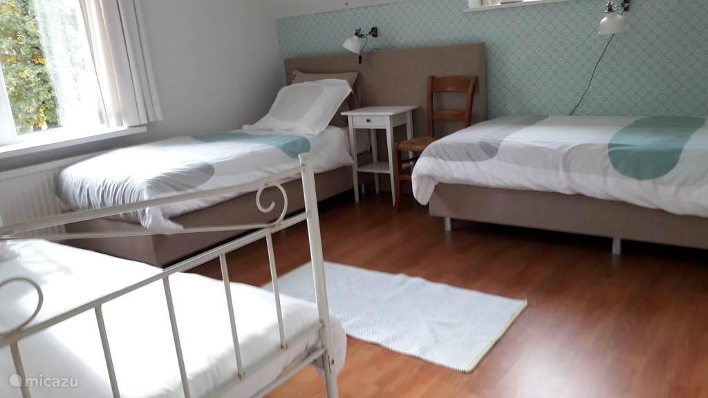 De Blauwe kamer als drie persoonskamer (tegen meerprijs)