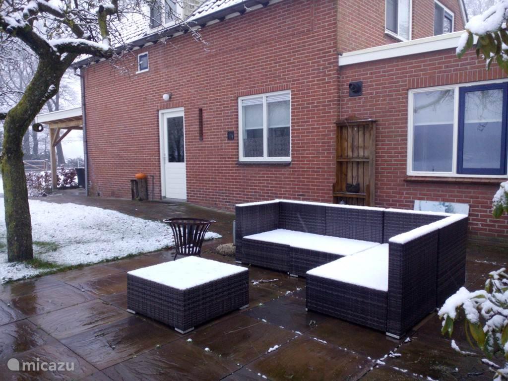 De loungeset en de vakantiewoning in de winter
