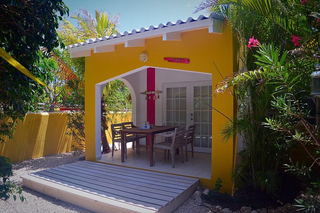 Tijdens de zomervakantie boekt u bij Casa di Mario al voor € 400,- per week een prachtig verblijf voor twee personen (minimaal verblijf van 2 weken).