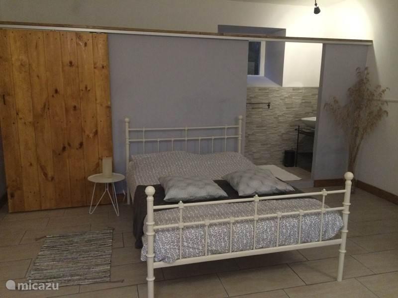 lower apartement 2 bedroom