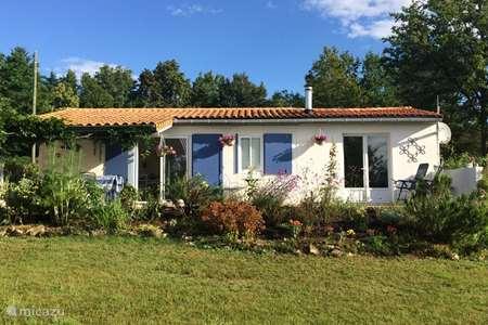 Vacation rental France, Charente, Écuras bungalow Le Chat 41