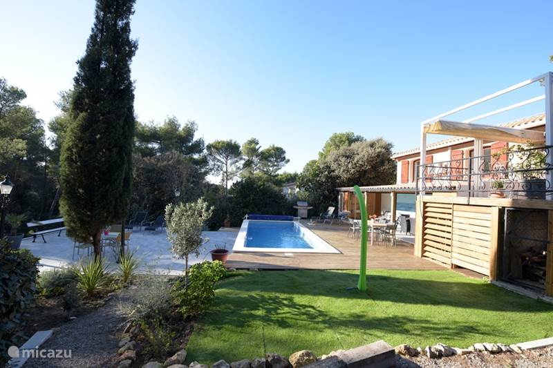 Vacation rental France, Aude, Moussan Holiday house L 'Amandier