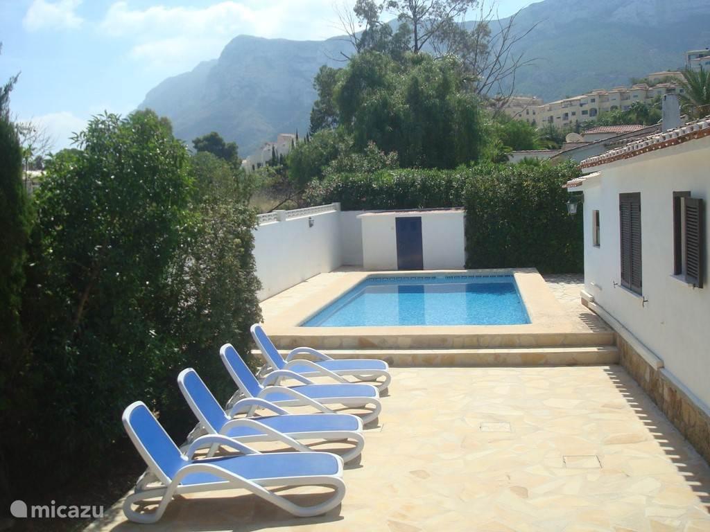 Villa Tres Palmas uitzicht naar Montgo