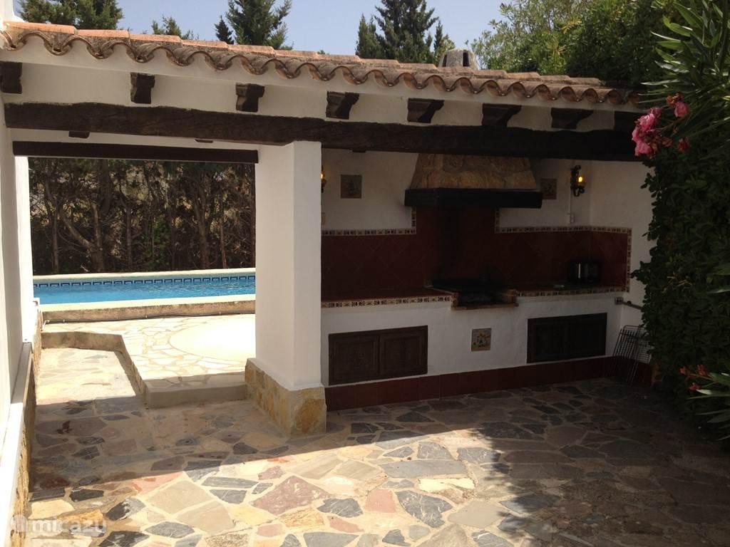 Villa Tres Palmas BBQ