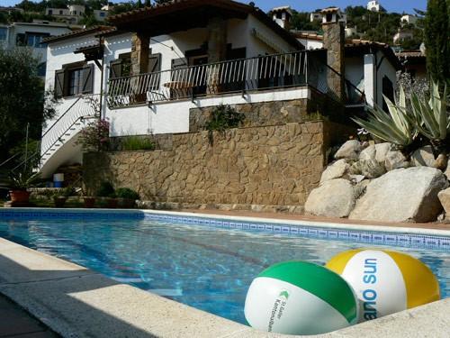 Paas en Lente aanbieding op vakantie villa Casa Sinatra aan de Costa Brava! 75,- euro p.w. korting en huisdieren gratis (max. 2).