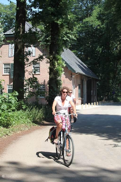 Gelegen langs een fietsroute