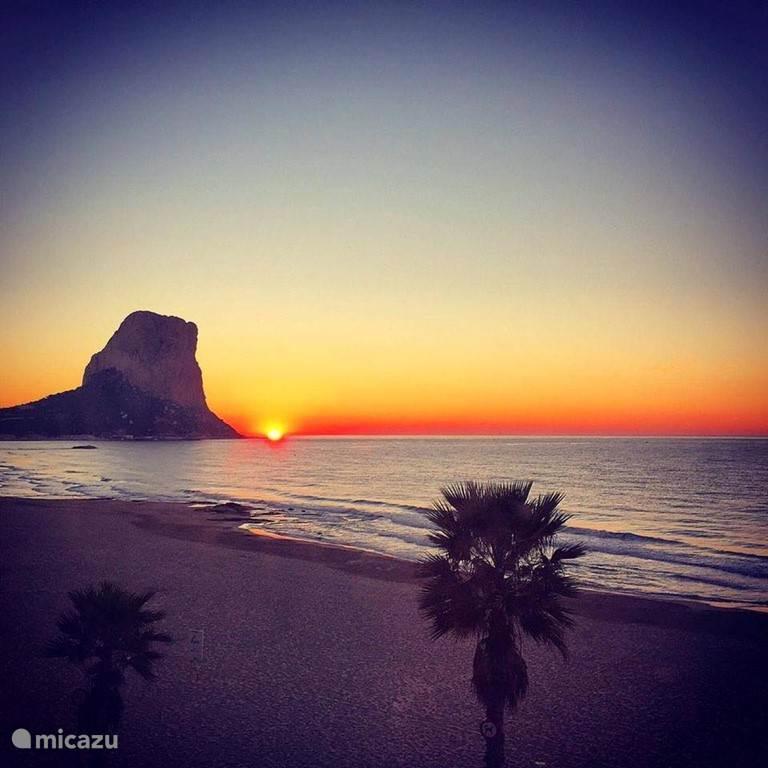 Calpe bij zonsondergang