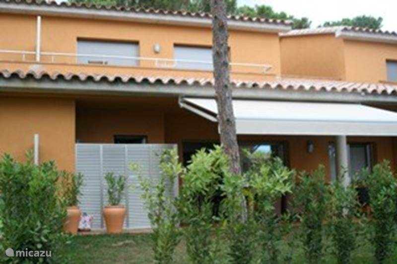 Rent terraced house gavarres casa del mar ii 12 in platja - Casas del mar espana ...