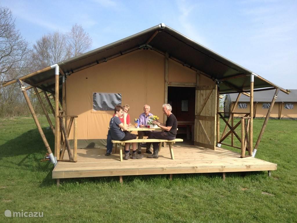 Vakantiehuis Nederland, Groningen, Lettelbert Glamping / Safaritent / Yurt Aan het Diepje 4-persoons Safaritent