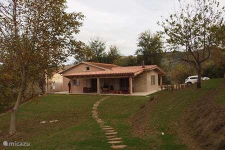 Vakantiehuis Italië, Marche, Montefalcone Appennino villa Villa Farfalla