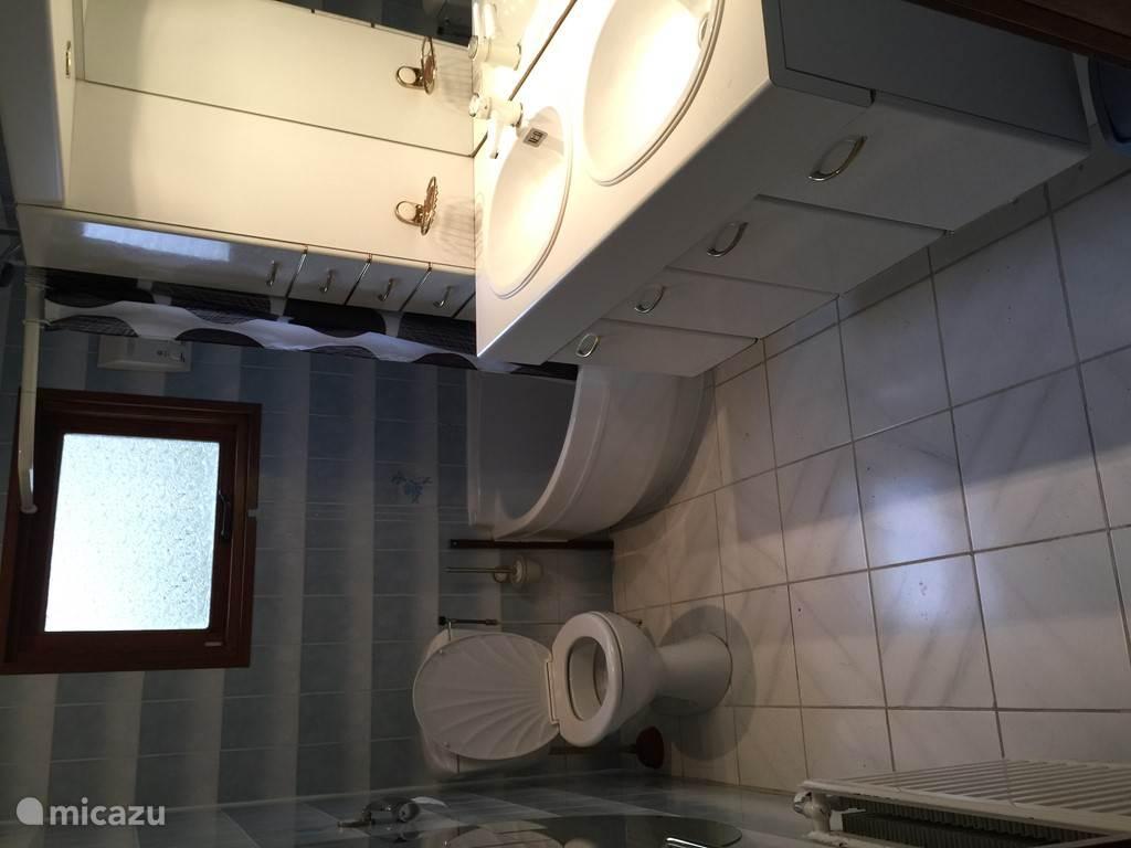Keurige badkamer
