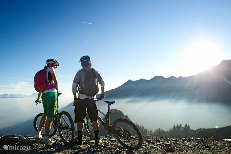 Letterlijk biken in the mountains
