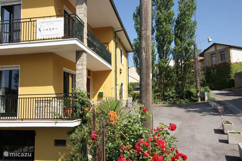 Vakantiehuis Italië, Piëmont, Bossolasco Appartement Casa del Tulipano Begane Grond