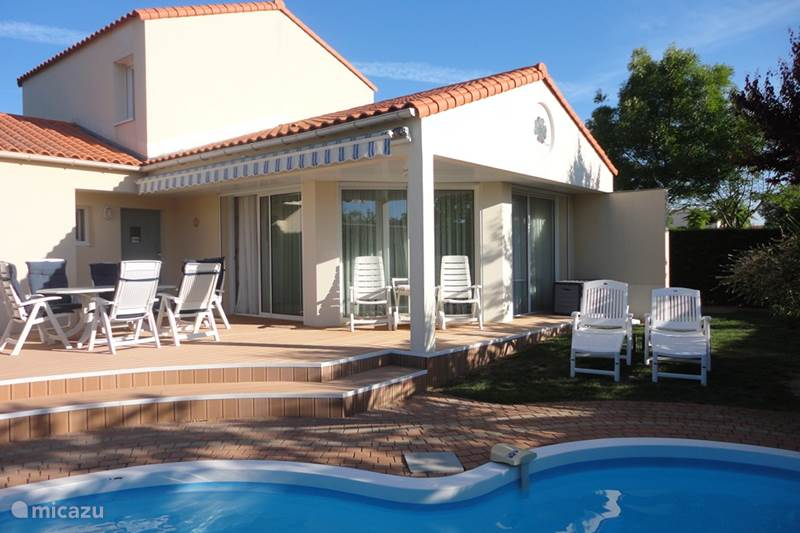 villa vendee in ch teau d 39 olonne vend e huren. Black Bedroom Furniture Sets. Home Design Ideas
