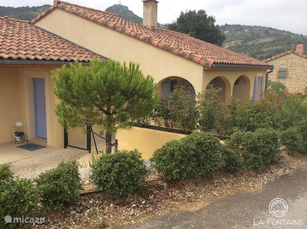 Vacation rental France, Ardèche, Vallon-Pont-d'Arc villa La Fontaine