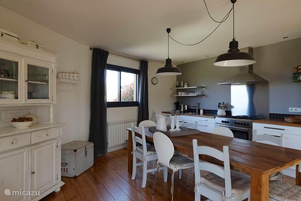 Vacation rental France, Limousin, Saint-Martin-la-Méanne Holiday house La Maison Ronde