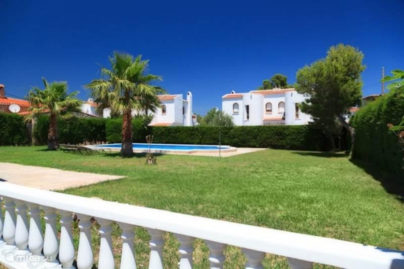 villa villa casalot in miami playa costa dorada spanien mieten micazu. Black Bedroom Furniture Sets. Home Design Ideas