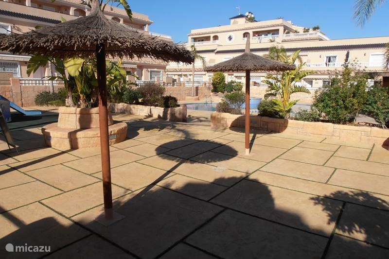 Vakantiehuis huis met verwarmd zwembad 11 in orihuela costa costa blanca spanje huren - Huis design met zwembad ...