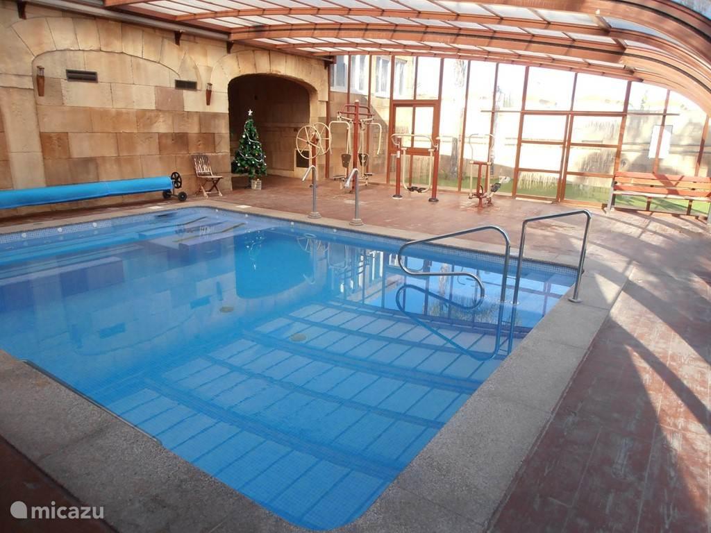 Zwembad In Huis : Huis met verwarmd zwembad in orihuela costa costa blanca