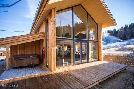 Vakantiehuis Oostenrijk, Stiermarken, Sankt Lorenzen ob Murau chalet Bergeule Chalet (met Jacuzzi)
