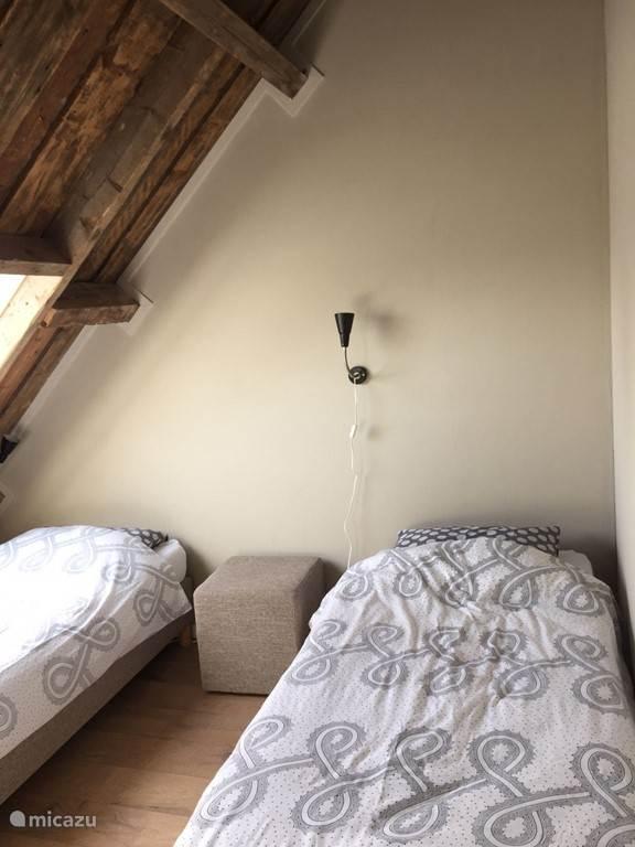 Slaapkamer Helmgras met 2 losse bedden