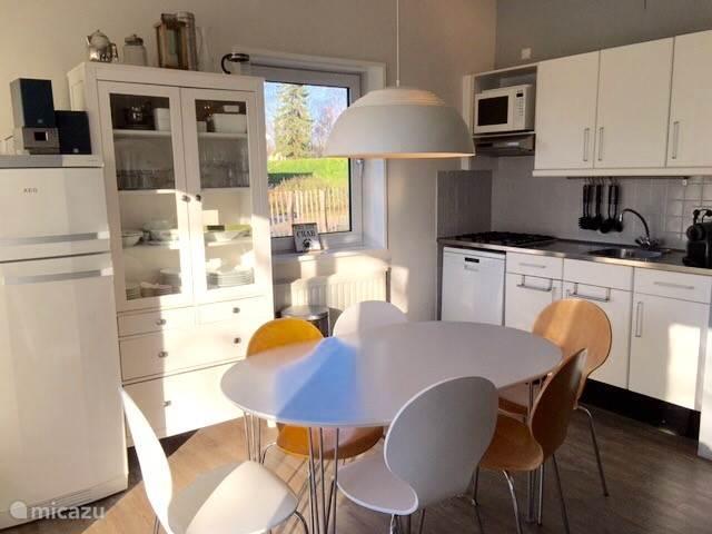 Keuken met eetkamer