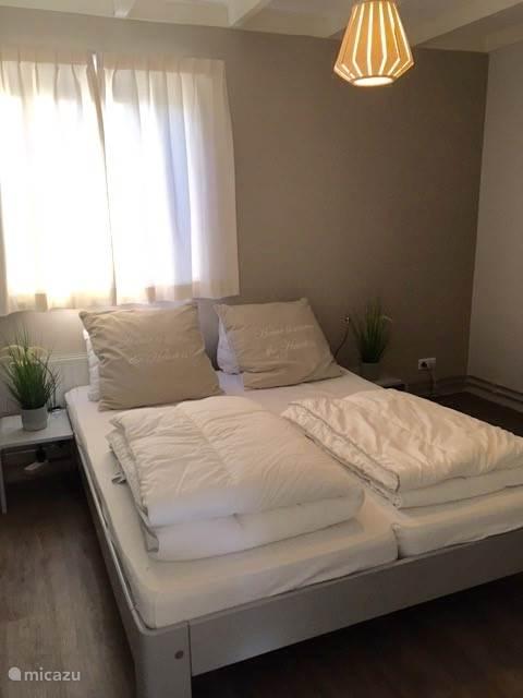 Slaapkamer 1, met 2-persoonsbed