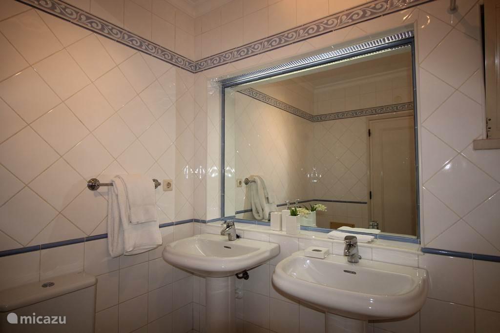 groot badkamer