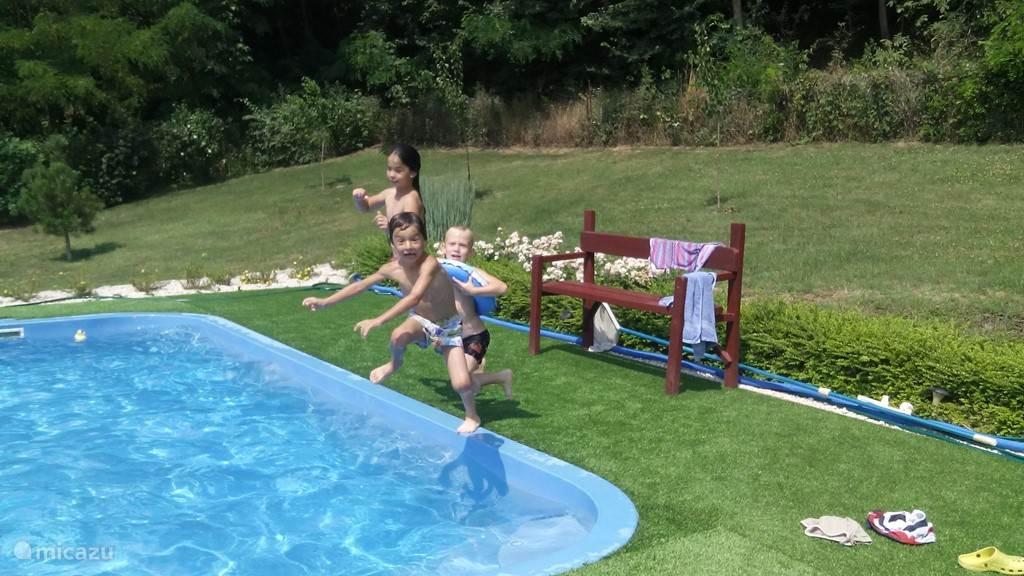 Plezier in het privé zwembad