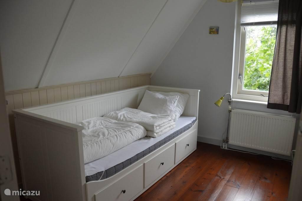 Slaapkamer 2 met mogelijkheid voor een 2e slaapplek.