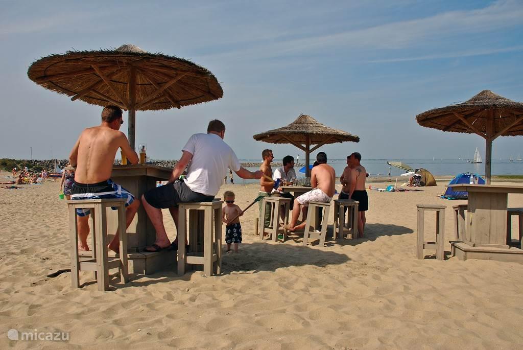 Strand aan het Grevelingenmeer op 5 autominuten.