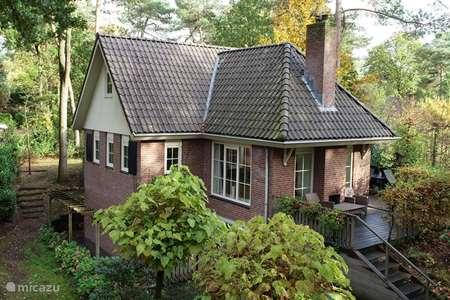 Vakantiehuis Nederland, Veluwe, Beekbergen villa Bosvilla 't Laaghe zand