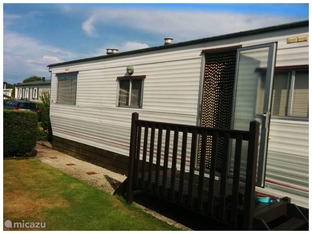 Vakantiehuis Nederland, Zeeland, Burgh Haamstede stacaravan Caravan Korenbloem Burgh Haamstede