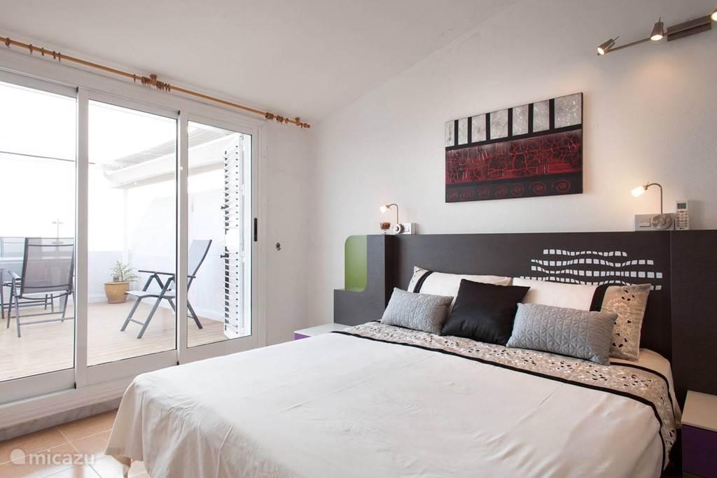Masterbedroom met Kingsize bed