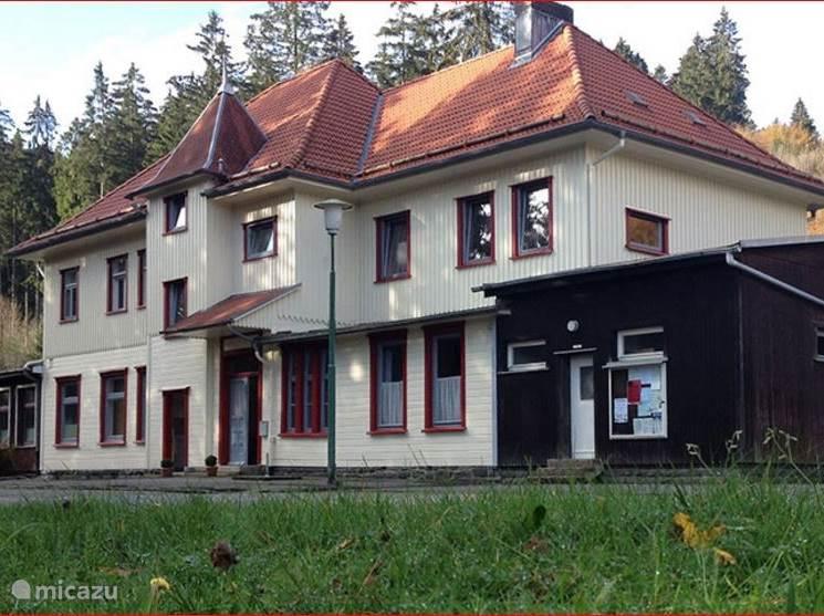 Vooraanzicht van het Alter Bahnhof Altenau uit 1914