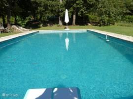 Villa villa tournon in montauroux provence frankrijk huren - Zwembad met kookeiland ...