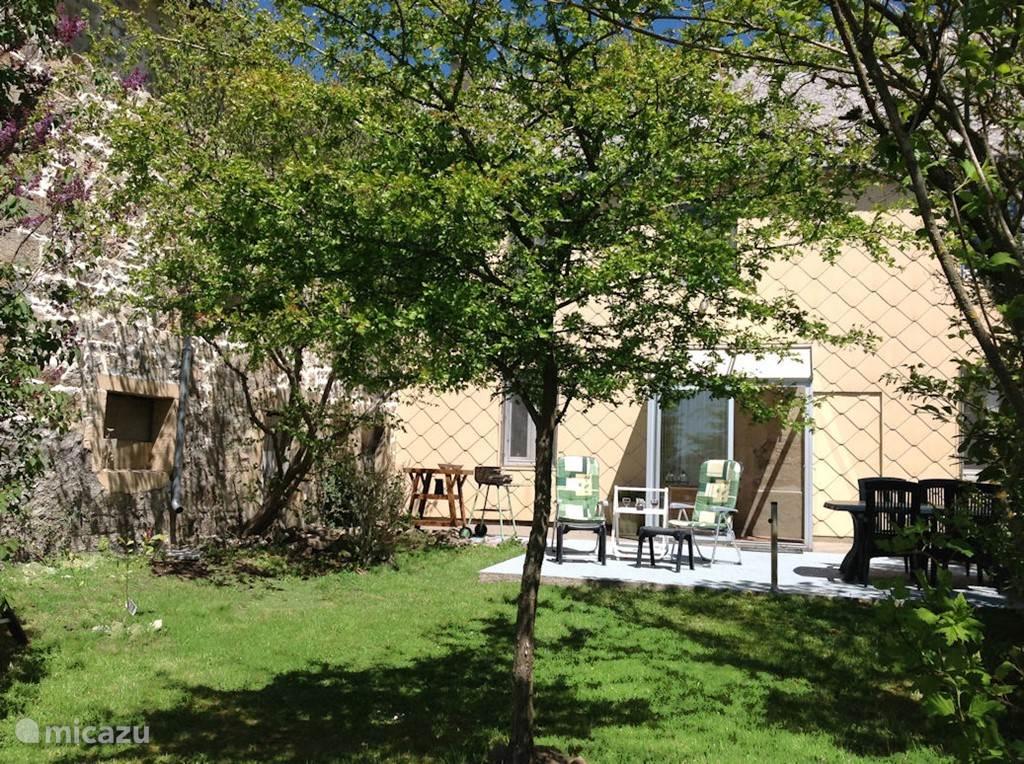 Vacation rental France, Auvergne – farmhouse L'Hibou