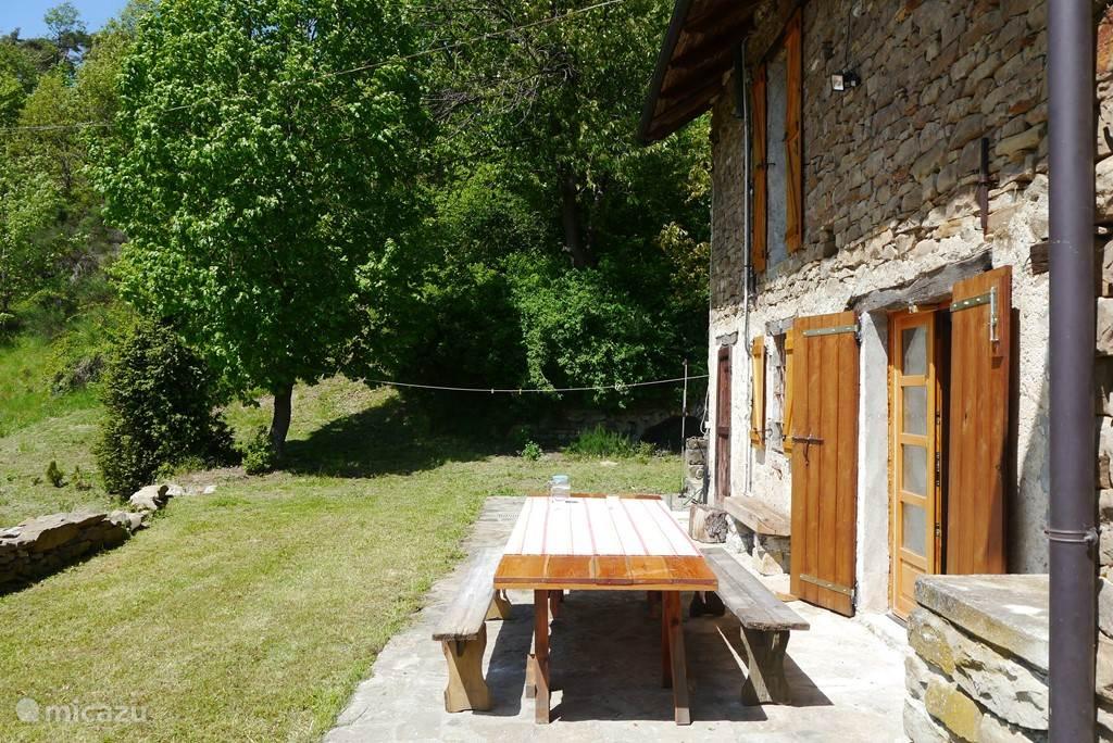Vakantiehuis Italië, Piëmont, Perletto Boerderij Casa Serole