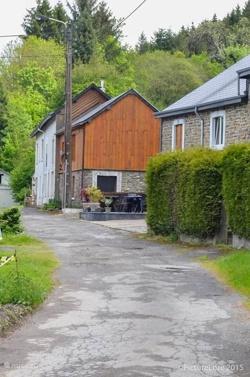 au Petit Canard in een privéstraatje