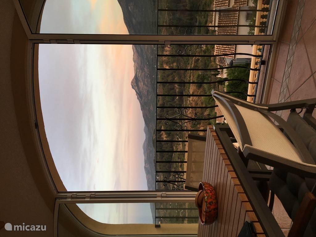 De naya met uitzicht op de vallei