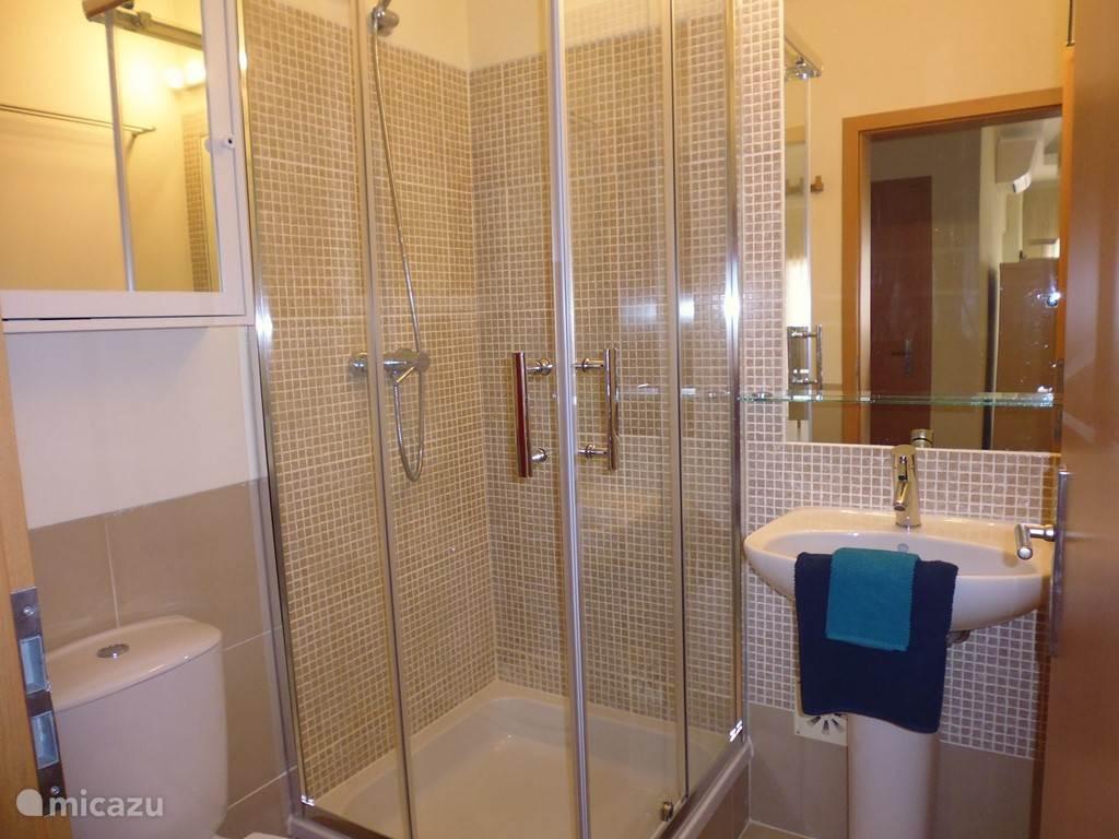(kinder-) badkamer