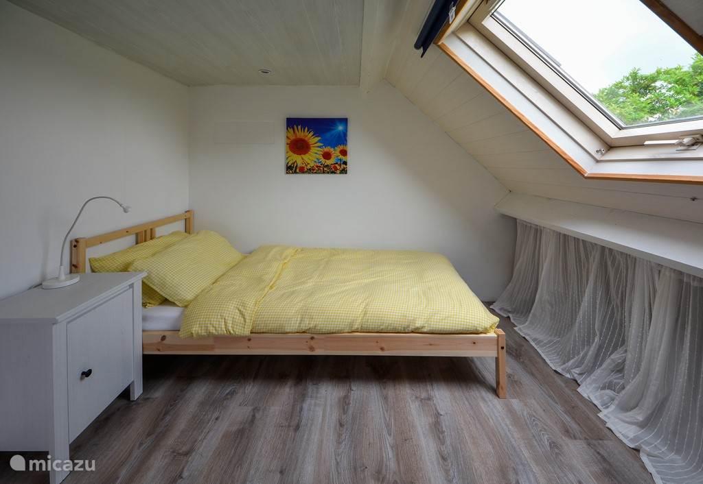 Slaapkamer 3 op verdieping met enkel bed