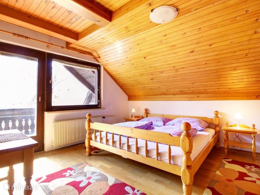 Slaapkamer 1 bed: 180x200