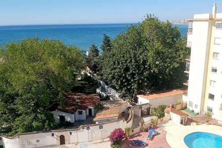Vakantiehuis Spanje, Costa del Sol, Nerja - appartement Appartement aan zee met zwembad