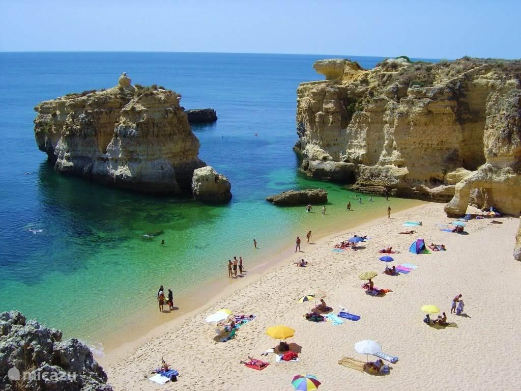 mooi strand dicht bij (Olhos dágua) 15 min. rijden