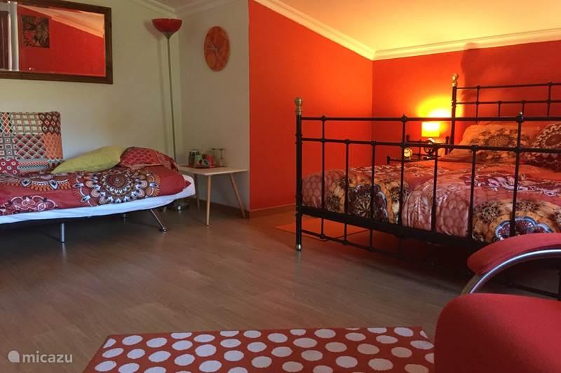 Vakantiehuis Portugal, Coimbra, Arganil Bed & Breakfast B&B Casa Traca, Retro kamer